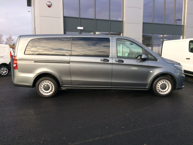9 Seater People Carrier Hire